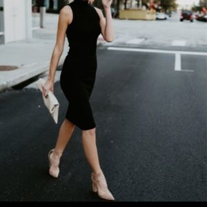 Dresses & Skirts - ✨RESTOCKED✨Black chic sleeveless midi dress